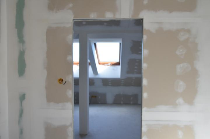 Podkrovie zatepelenie strechy + sádrokartón + príprava na svetlá  - hosťovská izba