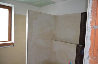 Kúpeľňa rodičia obkladáme už aj vyfugované