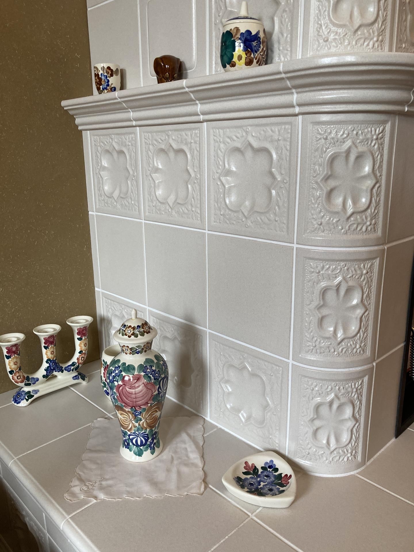 Kachľová pec z Modranskej keramiky - Obrázok č. 3