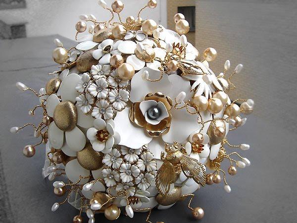 Svatební kytice :) - Jedna netradiční.