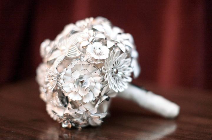 """Svatební kytice :) - Druhá netradiční """"neživá""""."""