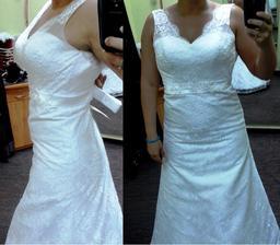 12) Střih šatů (i přes to, že nebyly celé zapnuté) mě dělal chudší než jsem :) Jsou celé krajkové a mají holá záda, což jsem chtěla :)