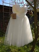 Baletkovské svatební šaty, 36