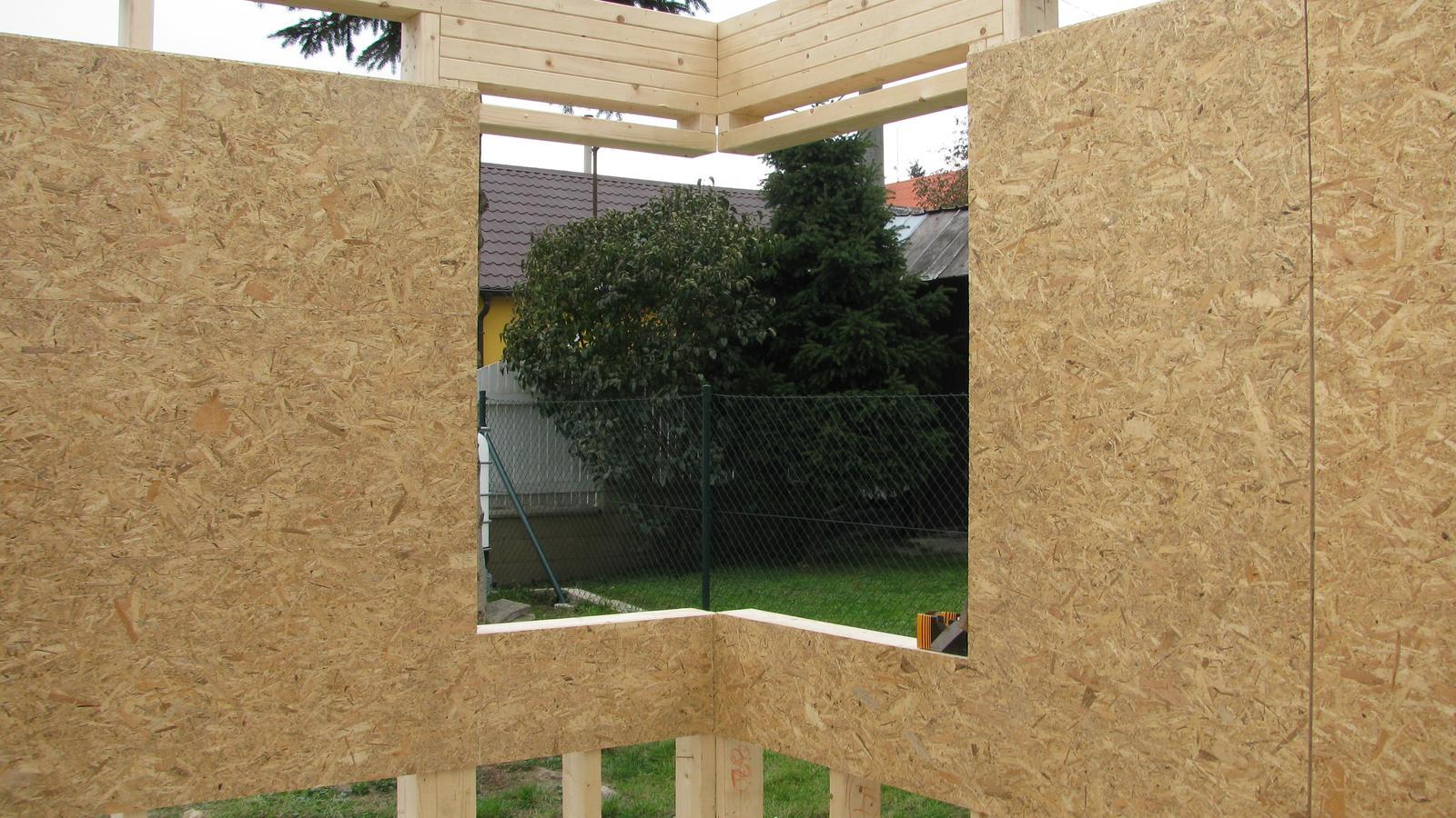 Naše DOMA 🏠 - okno v pokoji