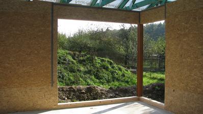 rohové okno v obyváku