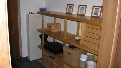 prostor pro šatní skříň, dočasně je tam police :-)