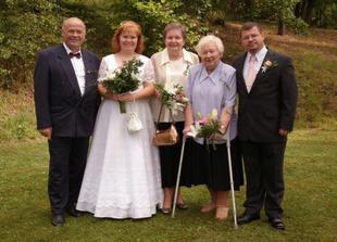 rodiče a babička nevěsty