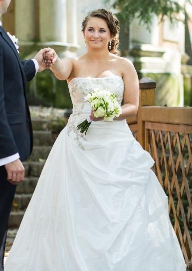 Diamantovo biele svadobné šaty Andover  - Obrázok č. 1