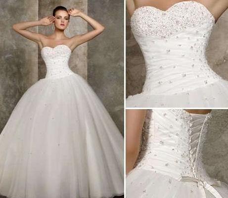 d3e19cfb143f blondiek Prodávám tyto šaty za 2 000 Kč jsou nové s visačkou. Mě bohužel  nesedí korzet