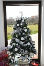 Tento rok len malicky stromcek....