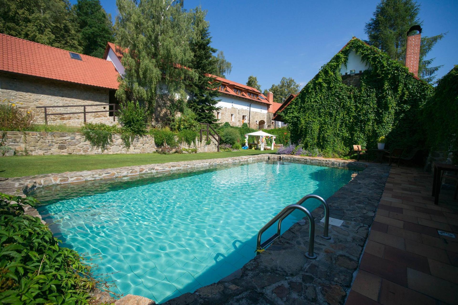statek_vletice - Bazén a ubytování