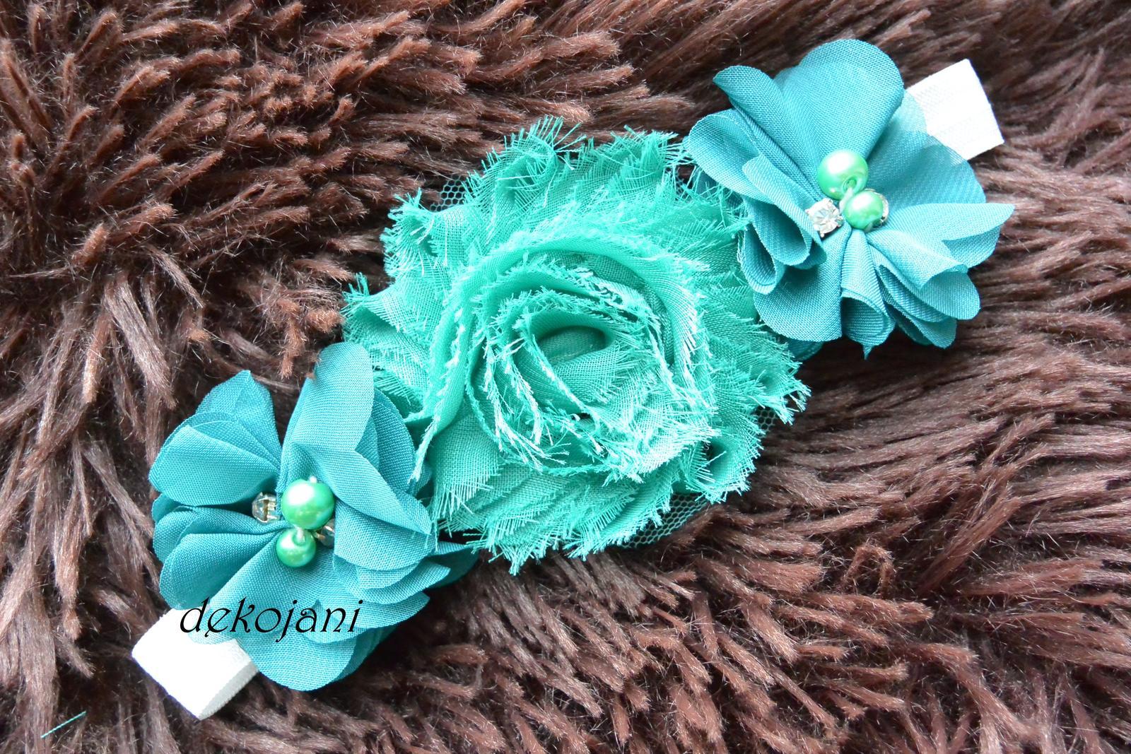 Čelenky, květiny do vlasů, náramky, obojek pro pejska... - Květinová čelenka