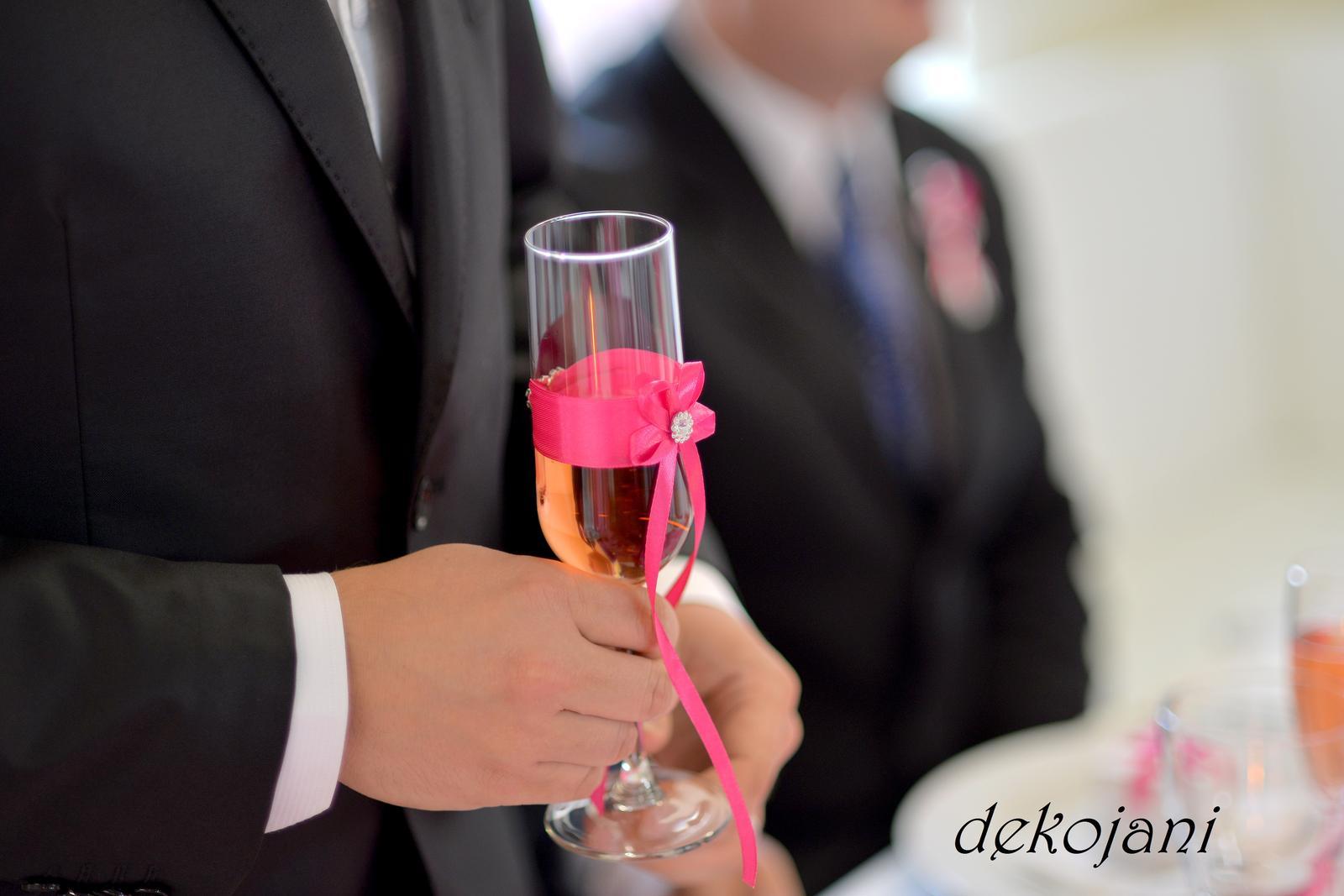 aguagulka - Ozdobená svatební sklenička...