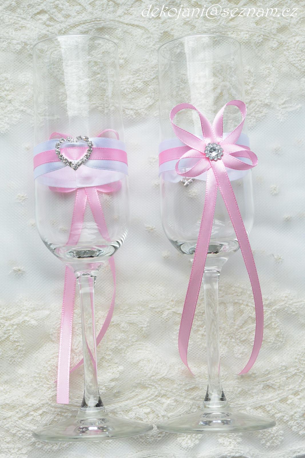 Jmenovky, svatební skleničky, mašle, závoje.. - Obrázek č. 16