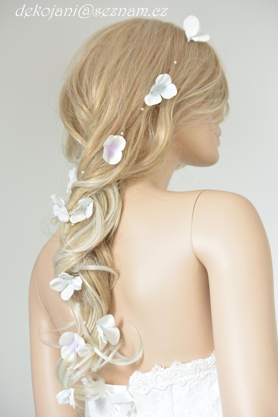 Čelenky, květiny do vlasů, náramky, obojek pro pejska... - Obrázek č. 1