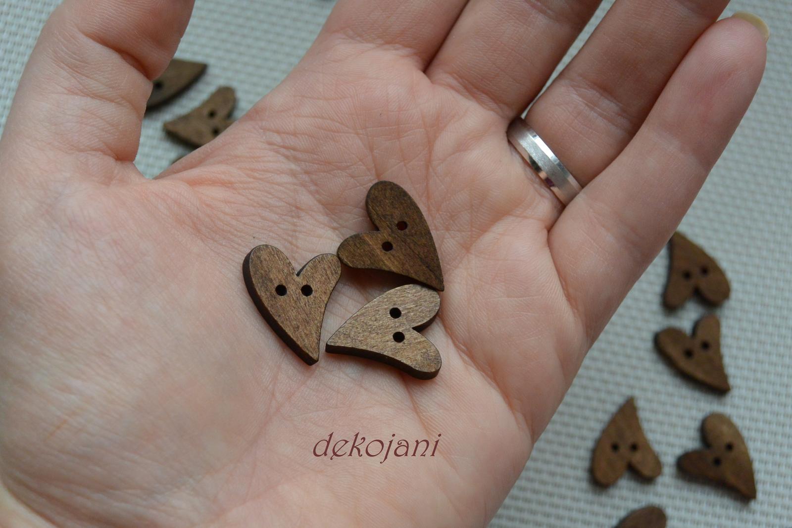 Dřevěná srdíčka - Obrázek č. 1