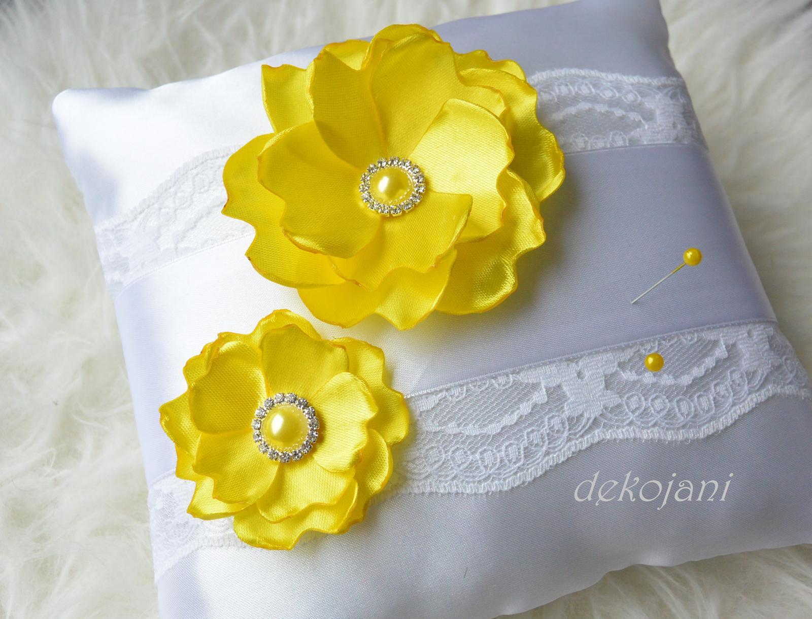 Žlutý svatební polštářek - Obrázek č. 1