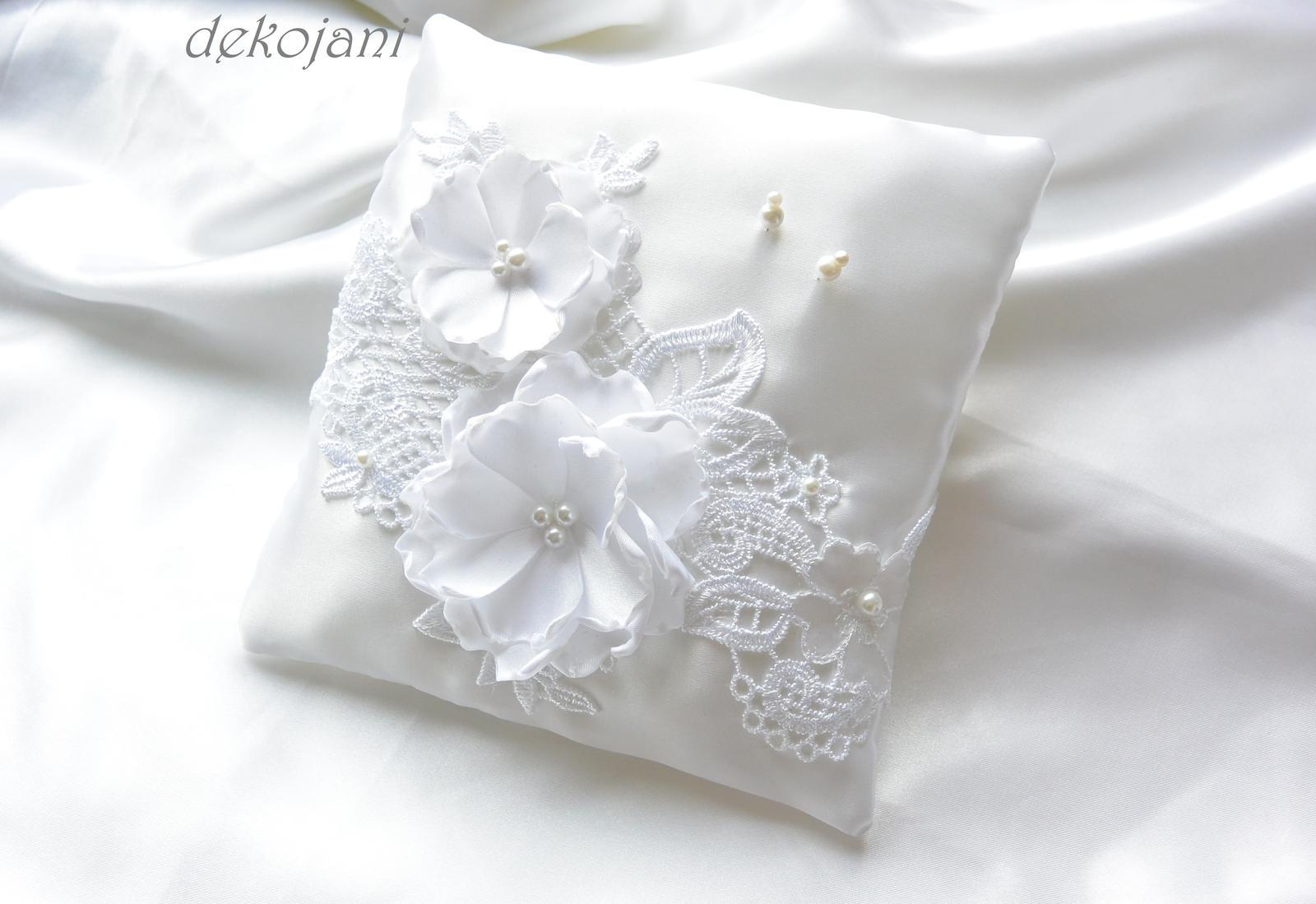 Luxusní krajkový svatební polštářek - Obrázek č. 1