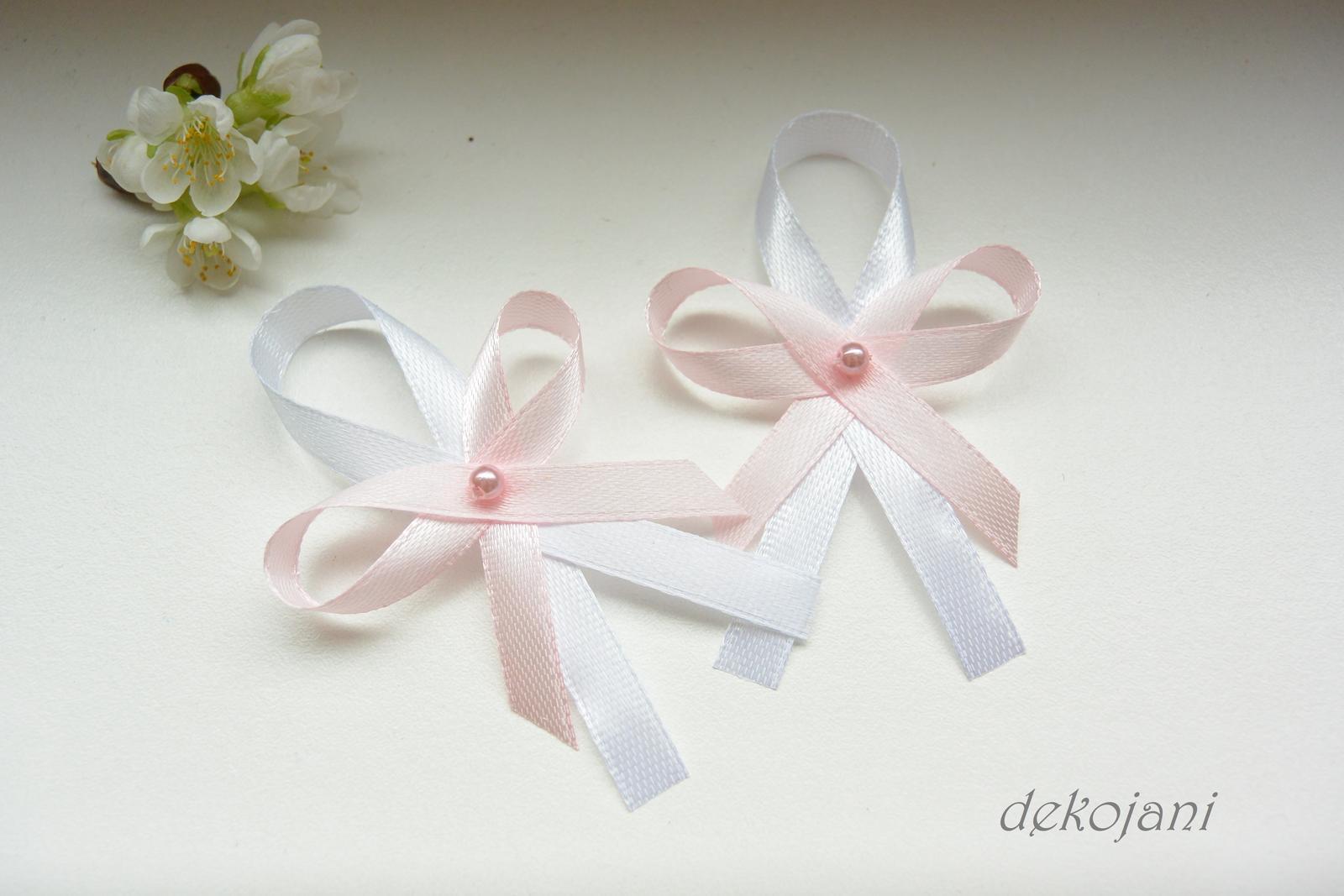 Světle růžové vývazky s perličkou - Obrázek č. 1