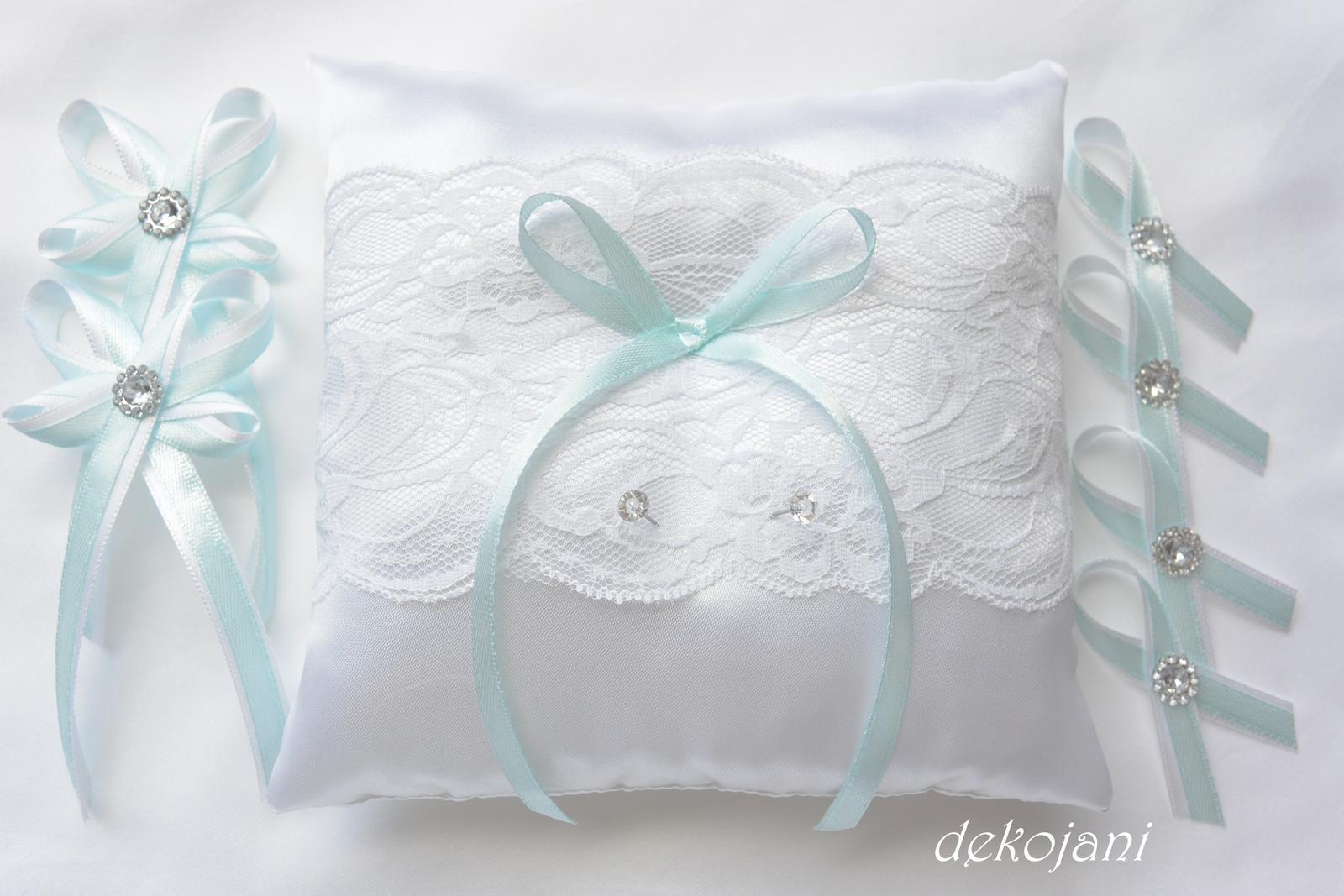 Svatební polštářek s mint stuhou - Obrázek č. 1