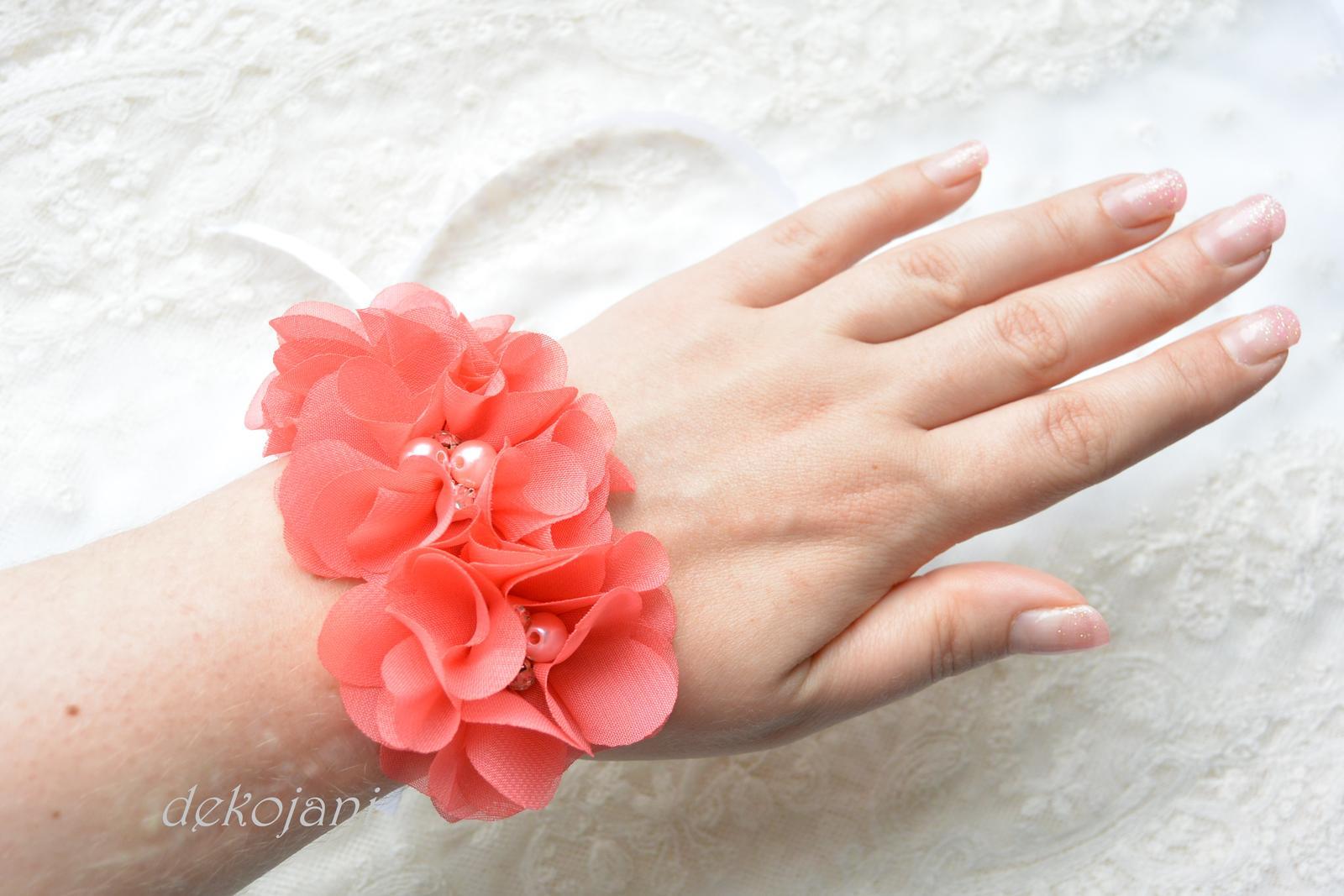 Květinový náramek - Obrázek č. 1