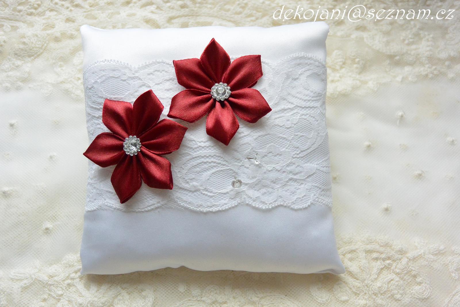Svatební polštářek- barva květin na přání - Obrázek č. 1