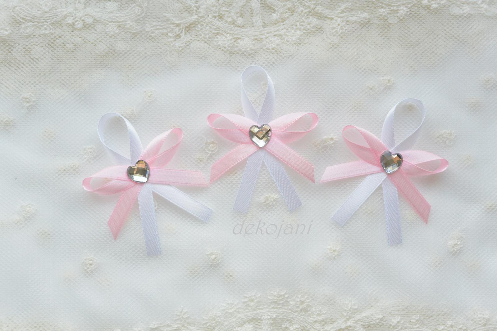 Růžové mašličky na myrtu - Obrázek č. 1