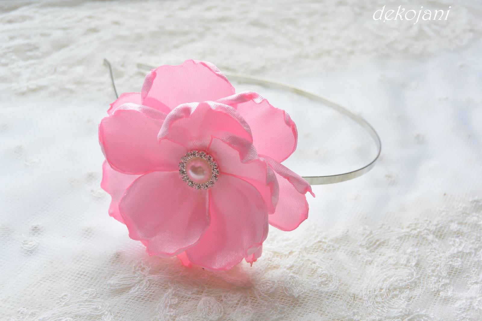 Růžové mašličky na myrtu - Obrázek č. 4