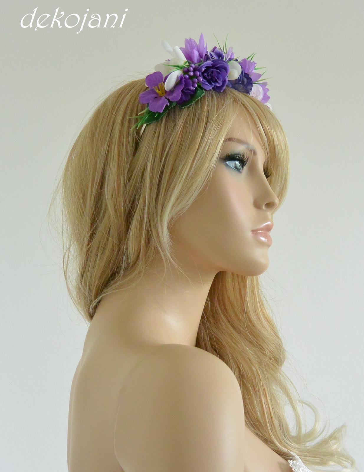 Fialová květinová svatební čelenka - Obrázek č. 4