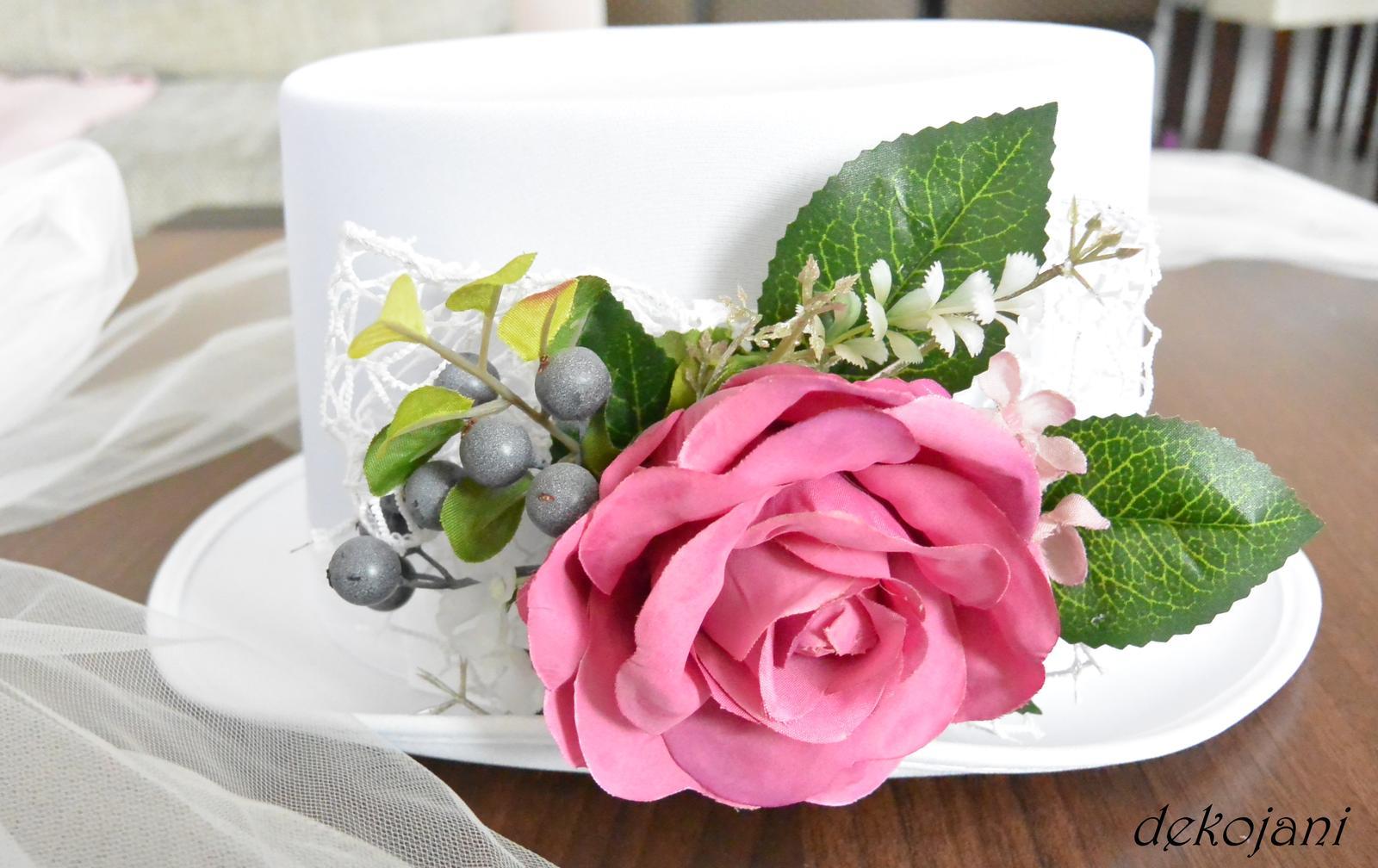Svatební dekorace na auta - Obrázek č. 1