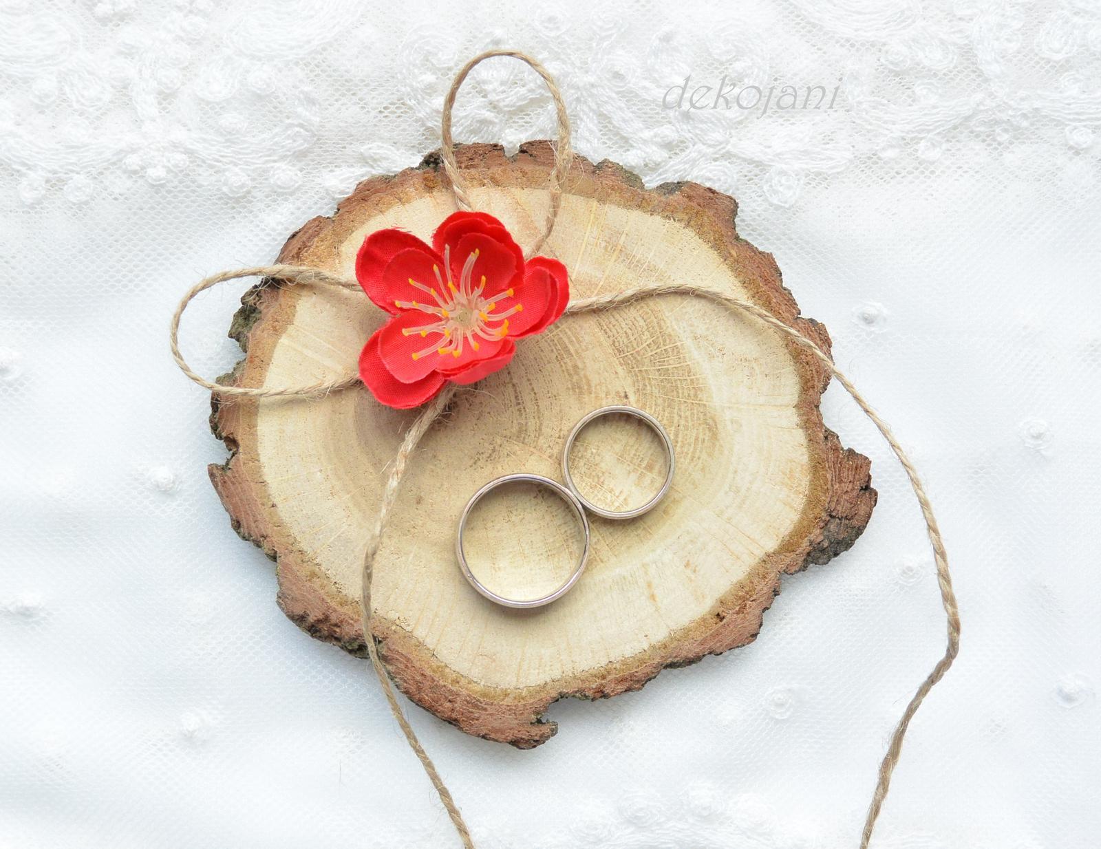 Dřevěná kulatina na prstýnky - Obrázek č. 1