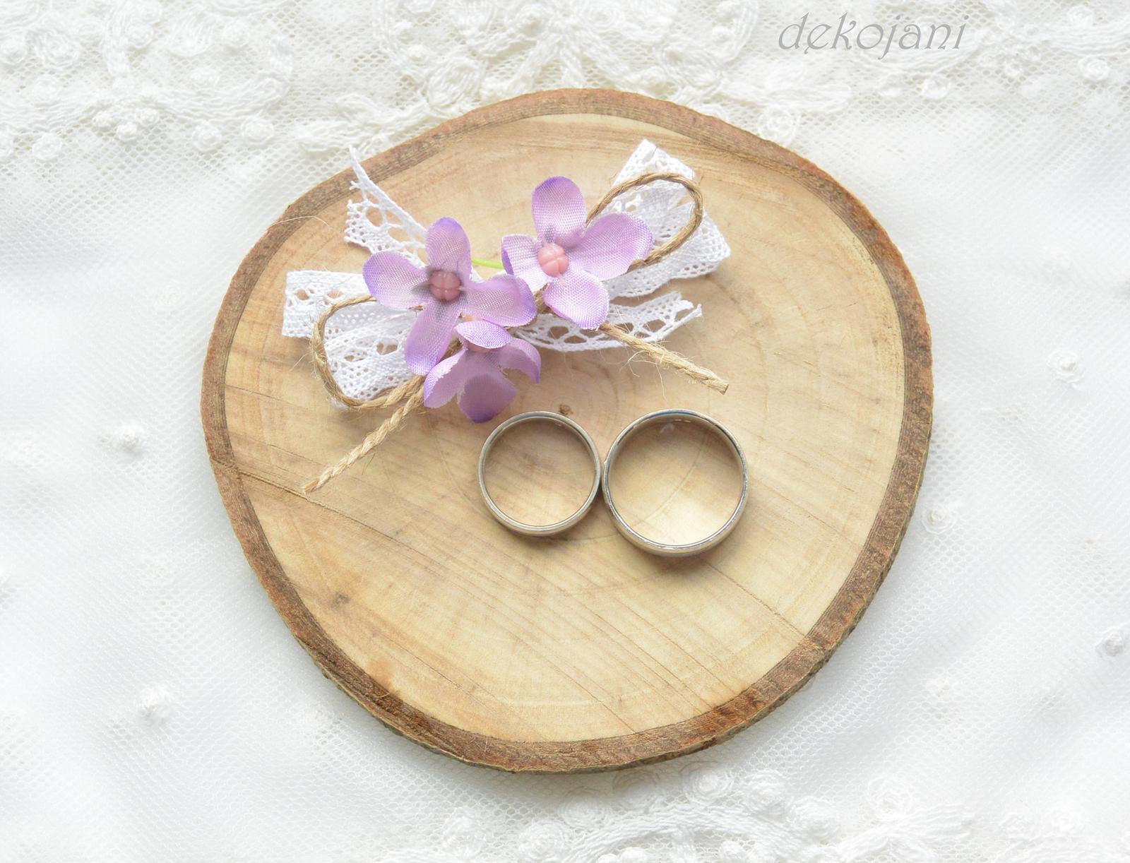 Venkovská svatba- dřevěná kulatina na prstýnky - Obrázek č. 1