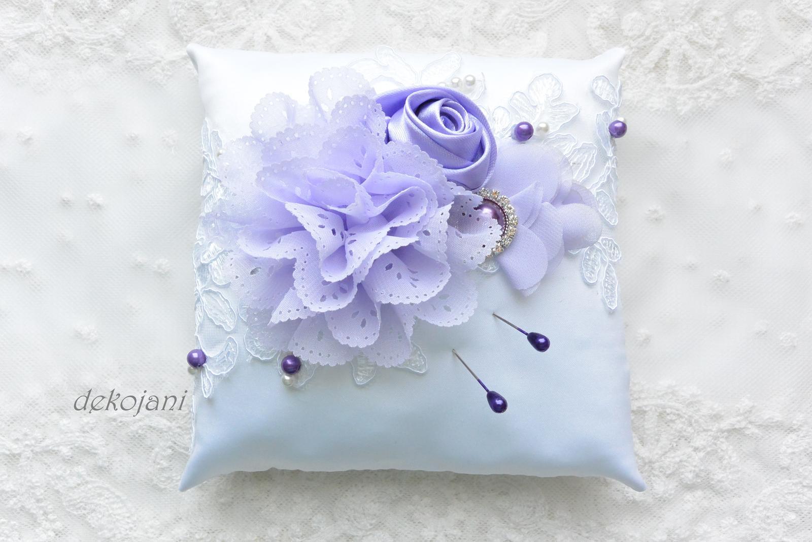 Fialový svatební polštářek - Obrázek č. 1