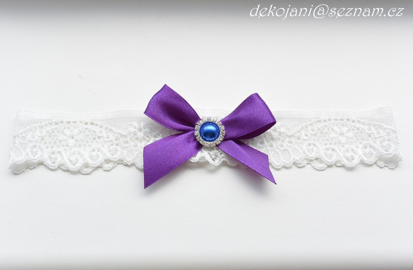 Fialový svatební podvazek - Obrázek č. 1
