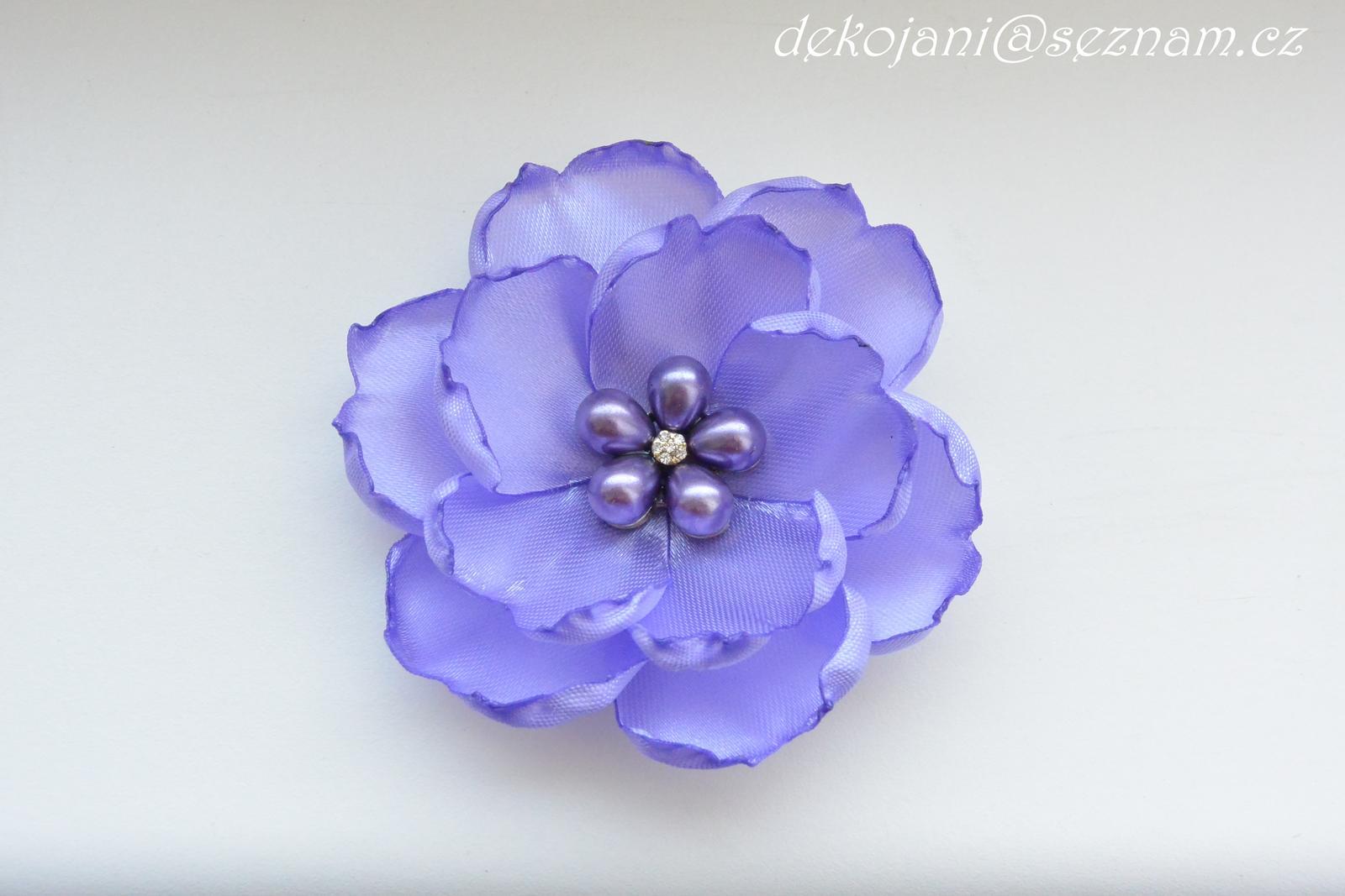 Květina nejen do vlasů - Obrázek č. 1