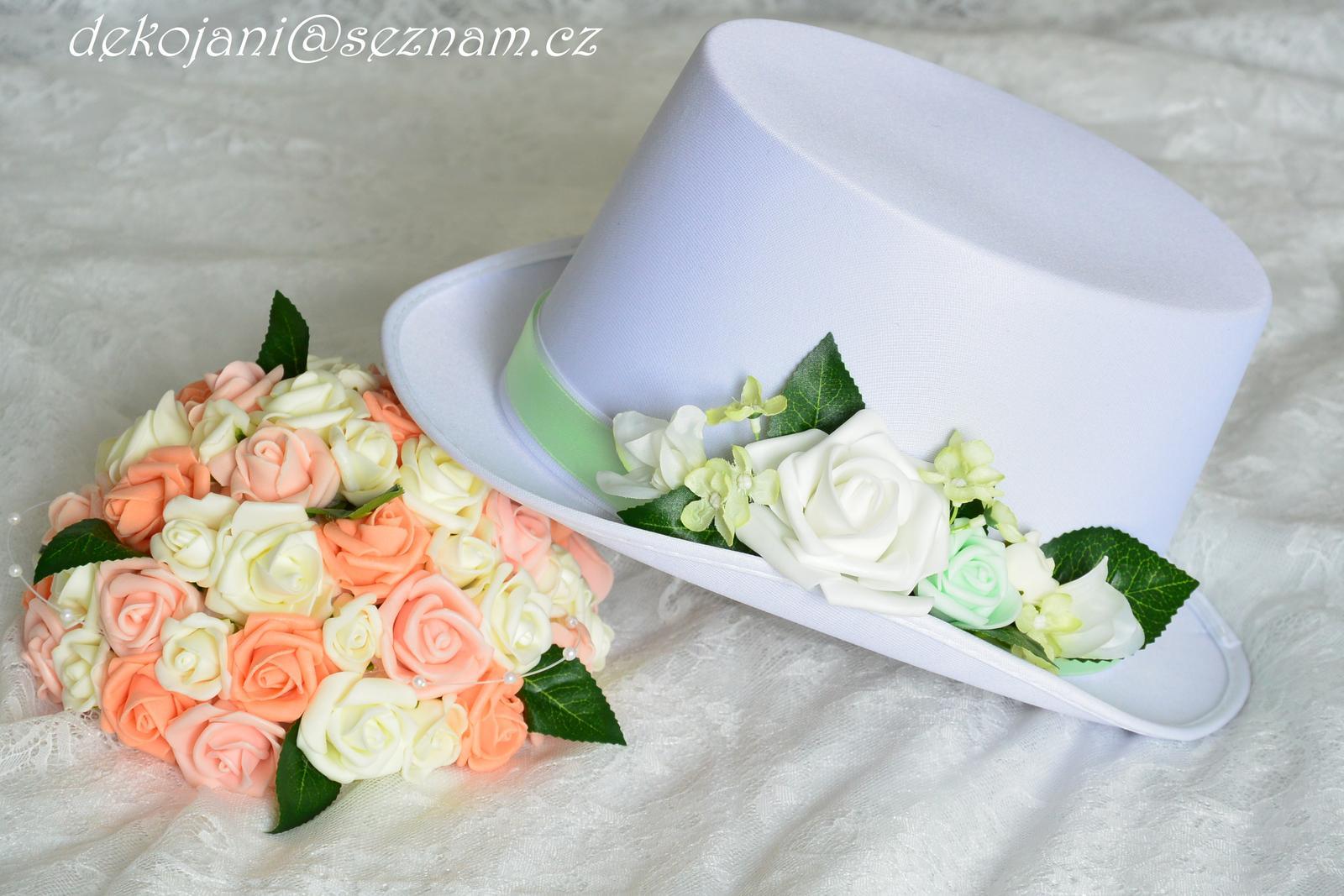 Květinový buket na auto nevěsty - Obrázek č. 1