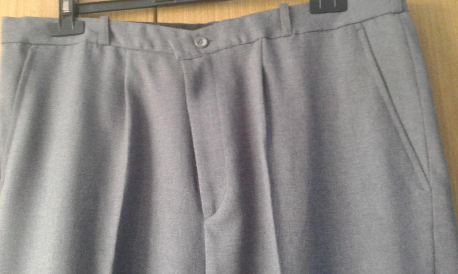 Pánsky oblek s vestičkou - Obrázok č. 3