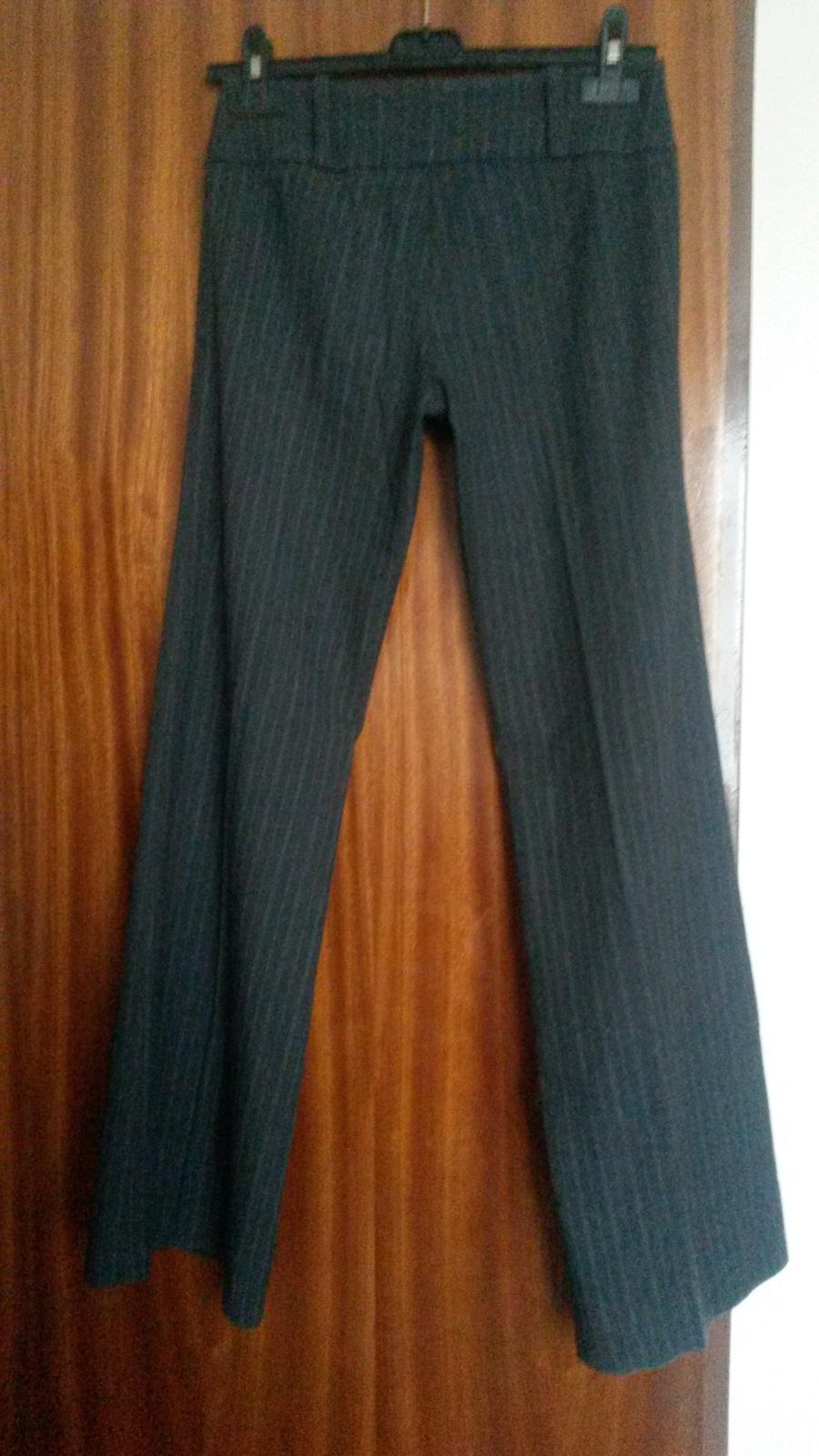 Šedé hrubšie nohavice - Obrázok č. 3