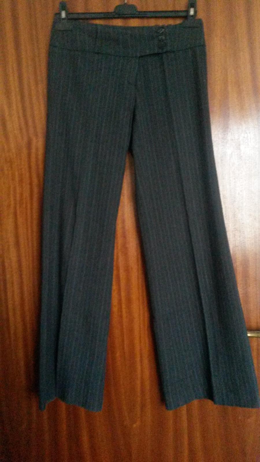 Šedé hrubšie nohavice - Obrázok č. 1
