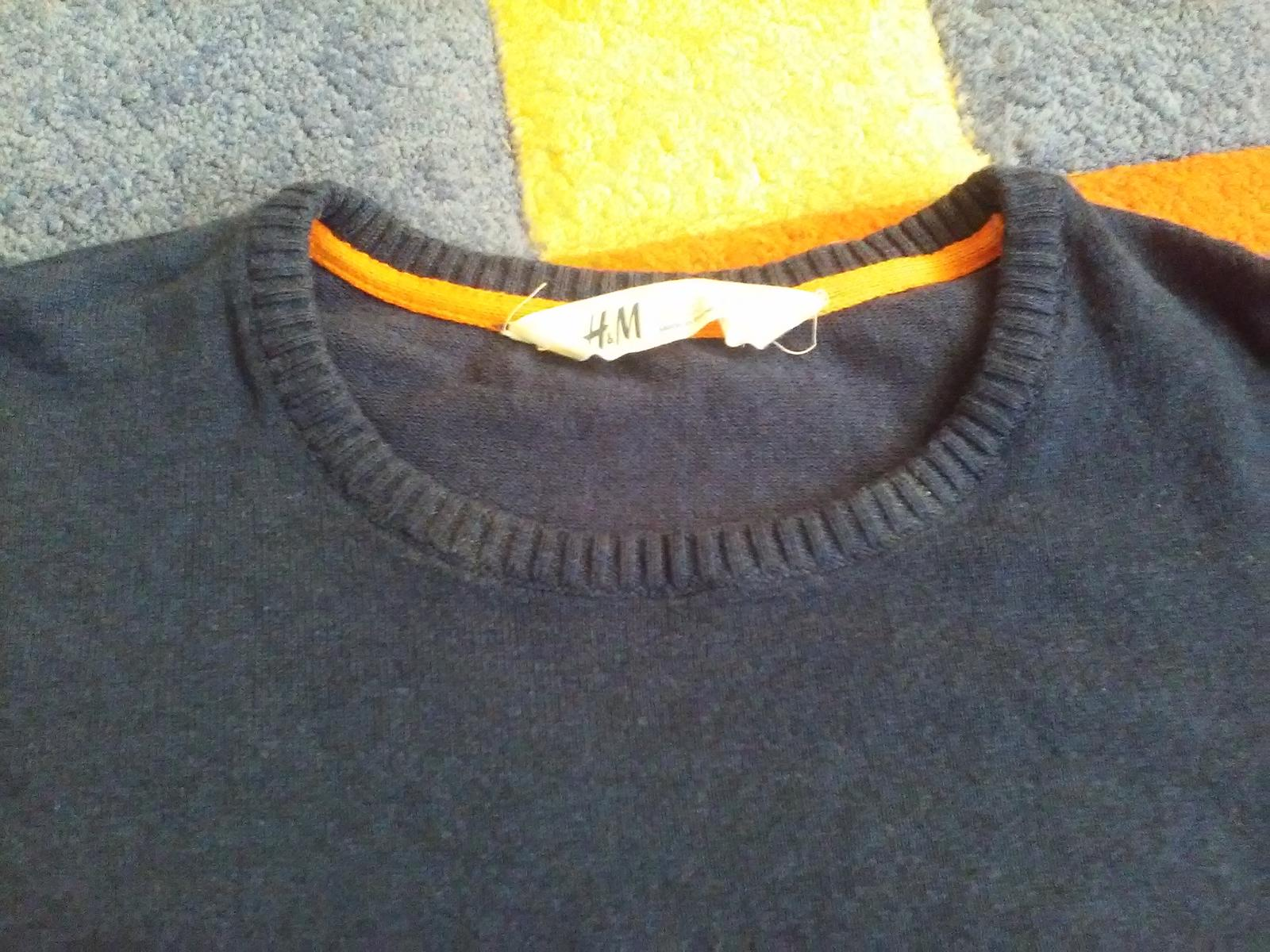 Tmavomodrý svetrík H&M - Obrázok č. 3