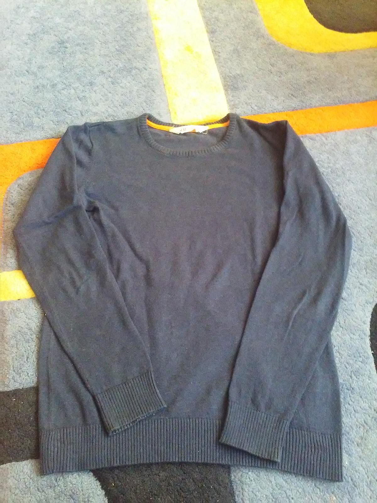 Tmavomodrý svetrík H&M - Obrázok č. 1
