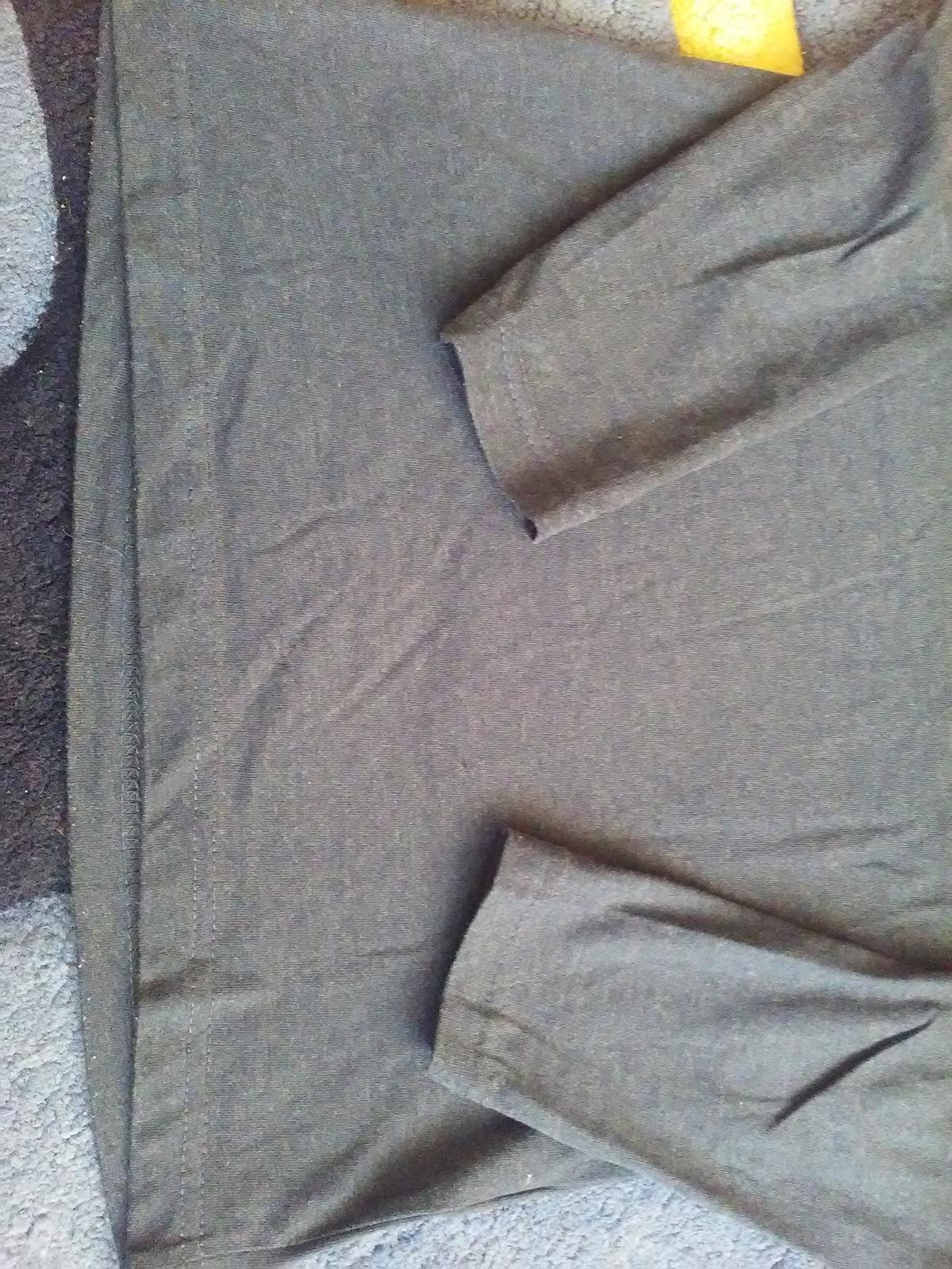 Tmavomodré elegantné tričko - Obrázok č. 2