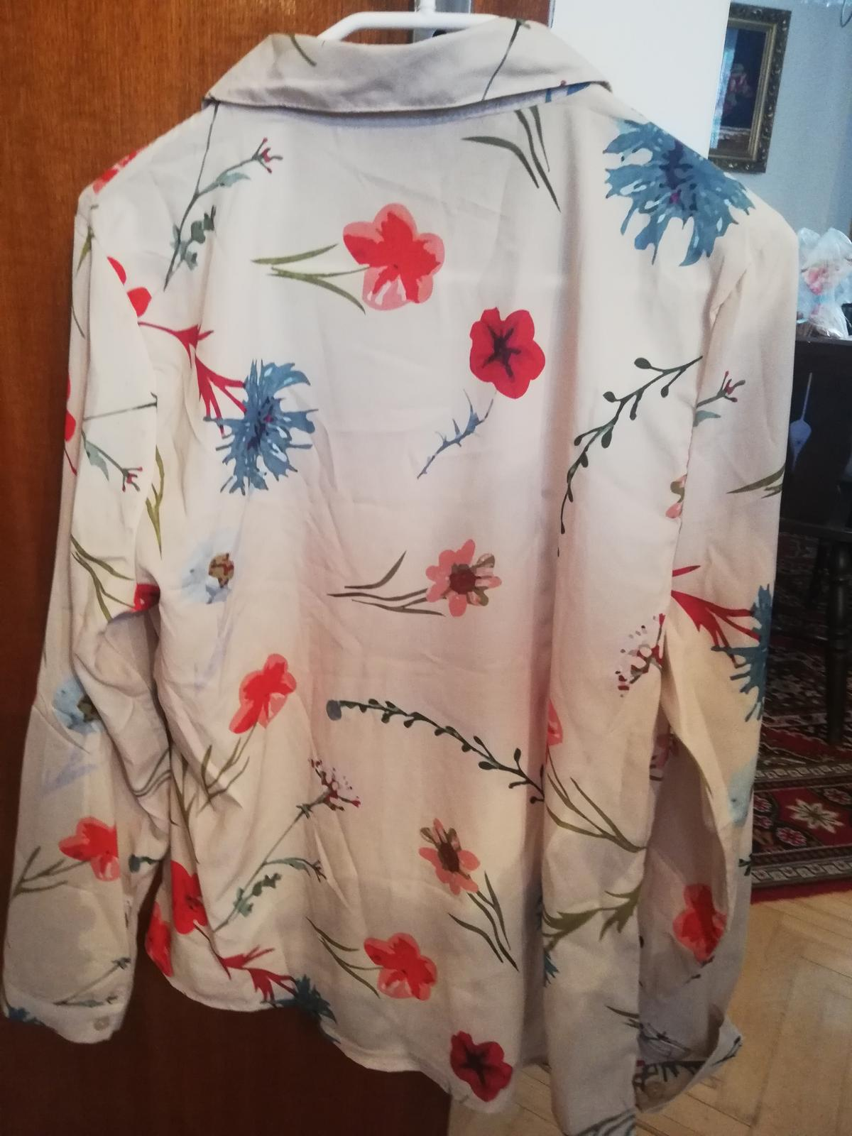 Bluzka s kvetinkami - Obrázok č. 3
