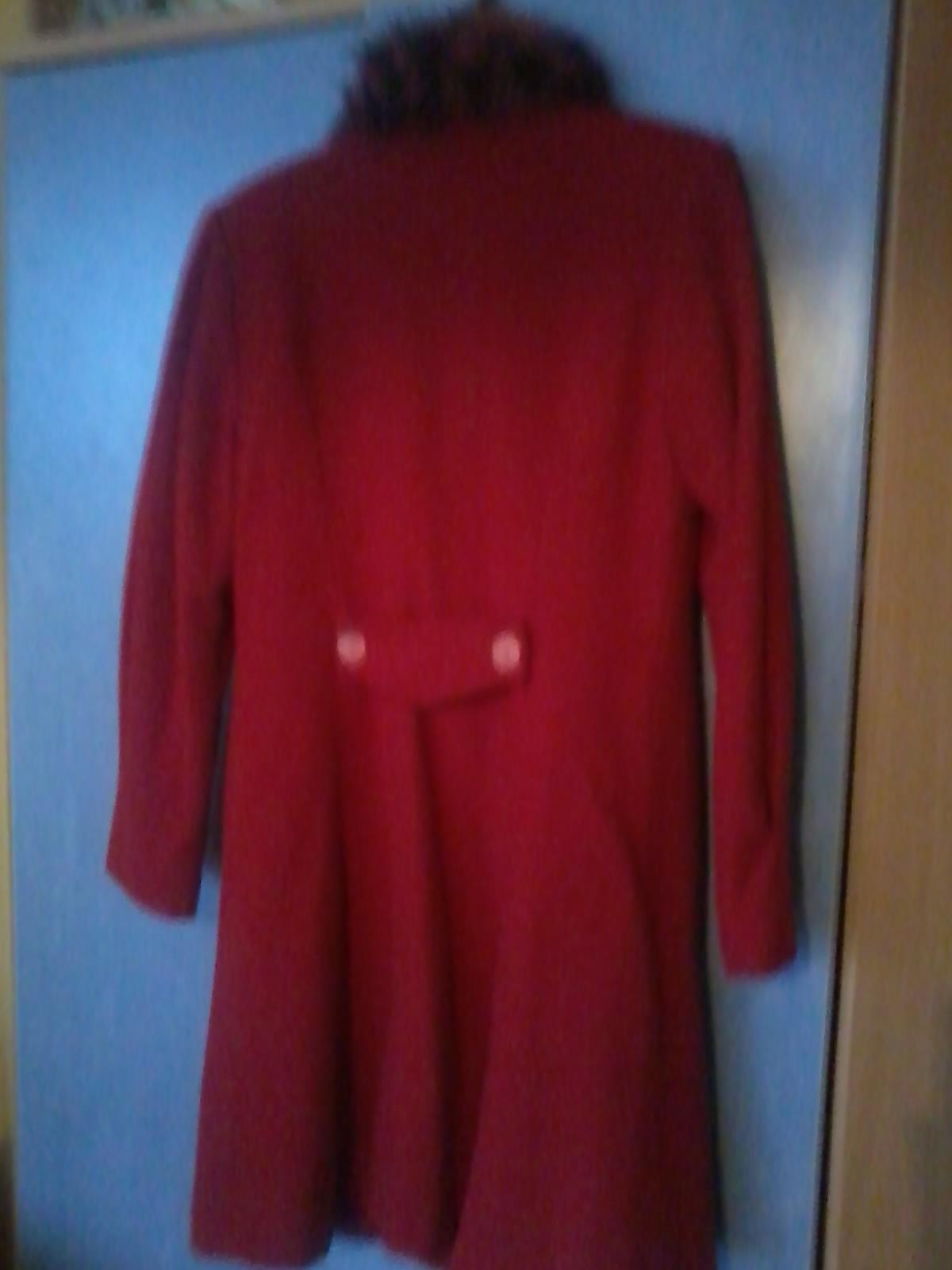 Cerveny kabat s kozusinkou - Obrázok č. 4