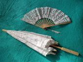 Čipkovaný svadobný dáždnik a vejár,