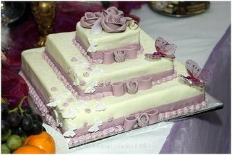 super torta ale v svetlejšej ružovej farbe