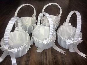 košíčky pro naše malé družičky
