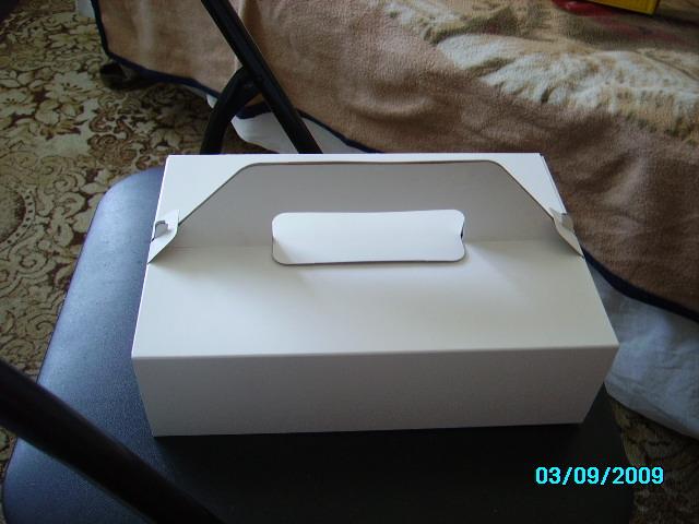 L+V - takéto krabice na zákusky máme