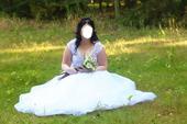 sněhově bílé šaty, 44