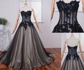 Svatební, společenské šaty, 44